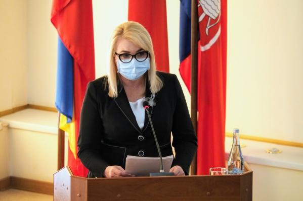 С докладом о городском бюджете выступала Татьяна Асатрян