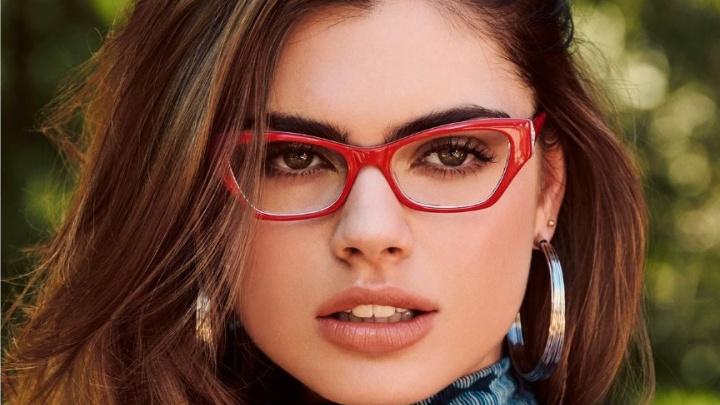 Оптика изготавливает очки за 1000 и 1500 рублей