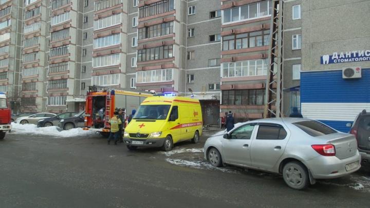 В районе Автовокзала загорелась квартира в многоэтажке, погибла женщина