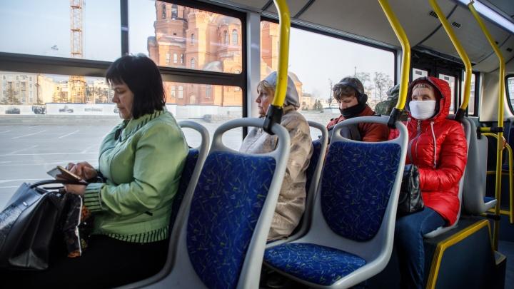 В автобусах ажиотаж, на улице - тишина: первое утро изолированного от коронавируса Волгограда
