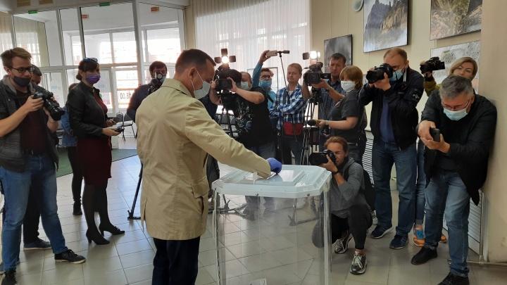 «Можно пить пиво, а можно что-то сделать»: Шумков позвал зауральцев на выборы депутатов облдумы