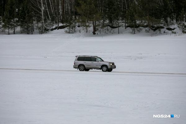 Выезжать на лед можно только в разрешенных местах