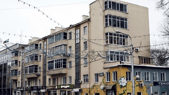 В Уфе отреставрируют пятиэтажку, деревянные памятники архитектуры до сих пор ждут своего часа