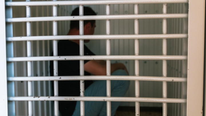 В Самаре под суд отдали мужчину, который держал в плену человека ради денег