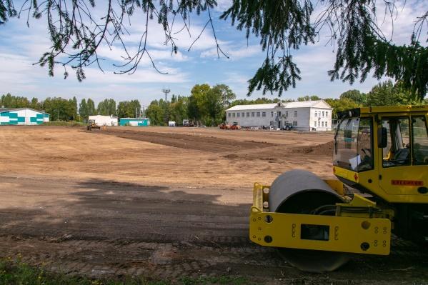 Пока стадион — это большая строительная площадка