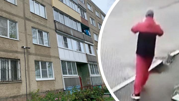 Подозреваемый в убийстве девочек-сестёр в Рыбинске попал на камеры. Видео