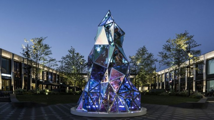 «Такие украшения очень популярны в Европе»: в центре Волгограда установят елку из металла и стекла