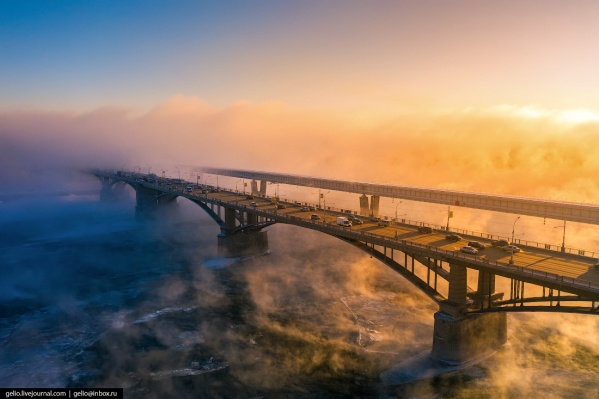 """Зима в этом году была снежной и теплой, а на город часто&nbsp;<a href=""""https://news.ngs.ru/more/66456229/"""" class=""""_"""" target=""""_blank"""">опускался густой туман</a>"""