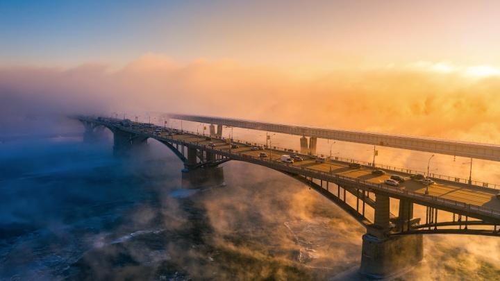 Прощаемся с холодами — неземные фото зимнего города от Славы Степанова
