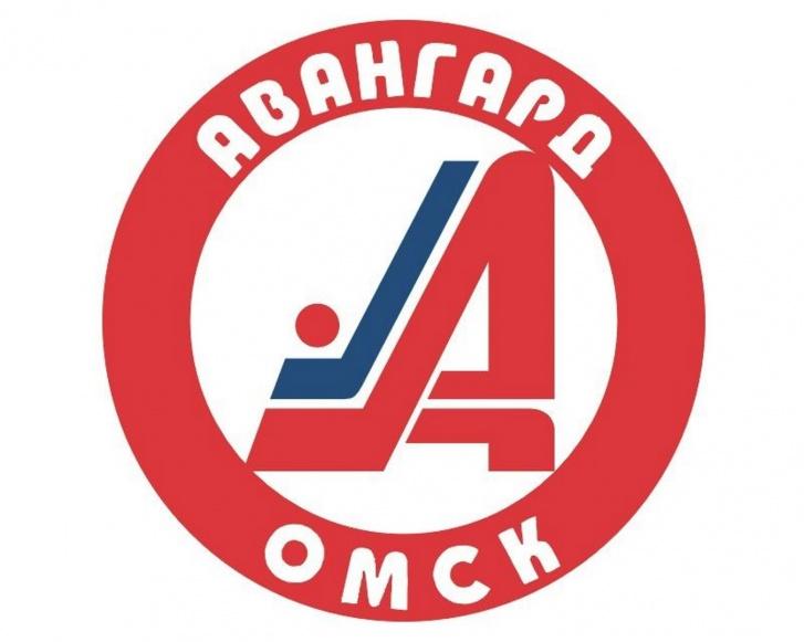 С таким логотипом омская команда выступала после развала СССР. Спустя несколько лет цвет круга изменился на синий