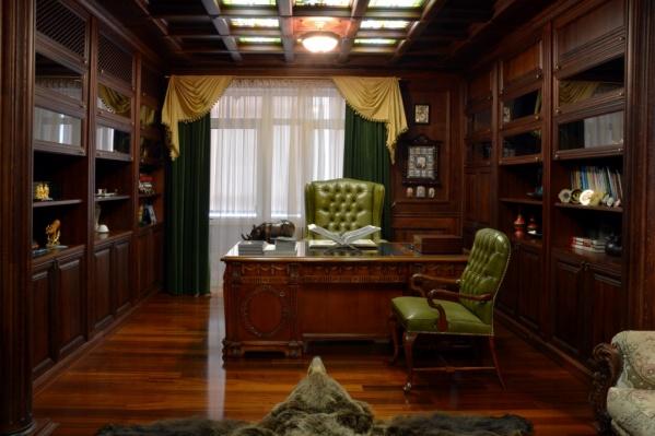 Так выглядит кабинет в квартире за 75 миллионов