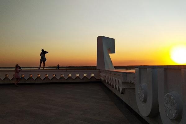 Показы пройдут под открытым небом — на набережной у Ладьи