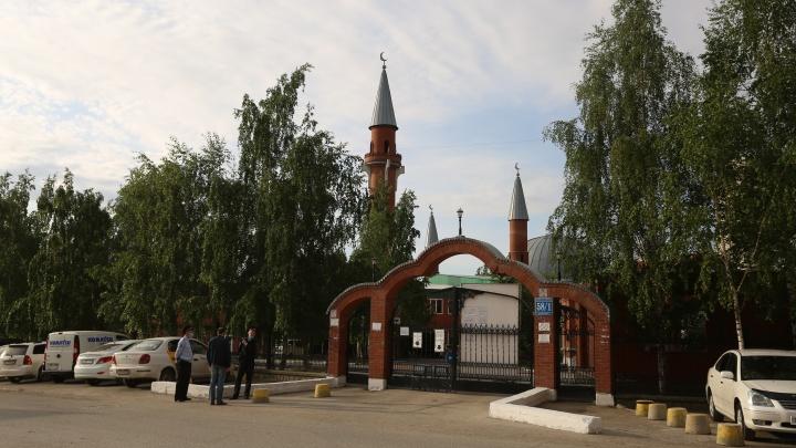 В Новосибирске прошёл самый странный Ураза-байрам — если не верите, сравните с этими фото