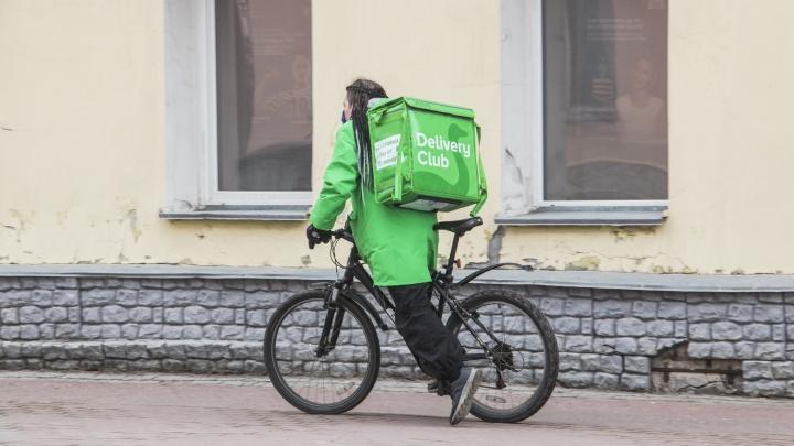 Ковид, труд, май: кто в Архангельске не остался дома в праздник посреди нерабочих дней? Фоторепортаж