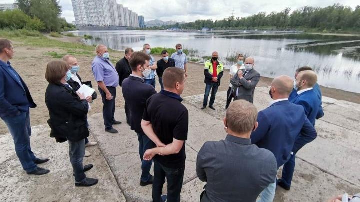 С опозданием на два месяца началось строительство набережной на правом берегу