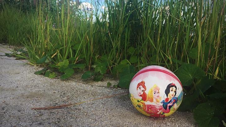В Кузбассе мать бросила 6-летнюю дочь на улице и ушла за покупками
