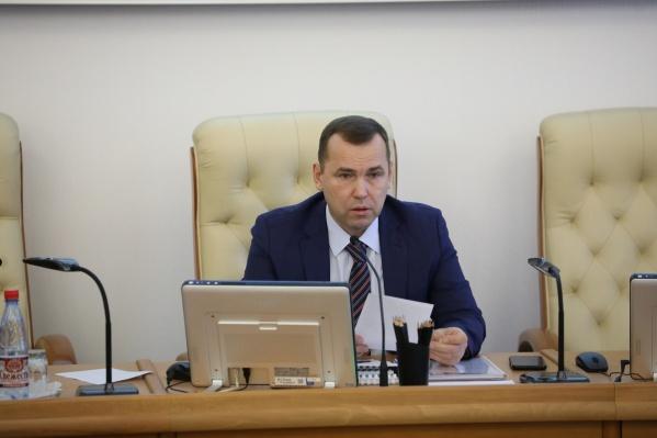 Вадим Шумков пообещал наказывать предприятия, нарушающие особый режим по коронавирусу