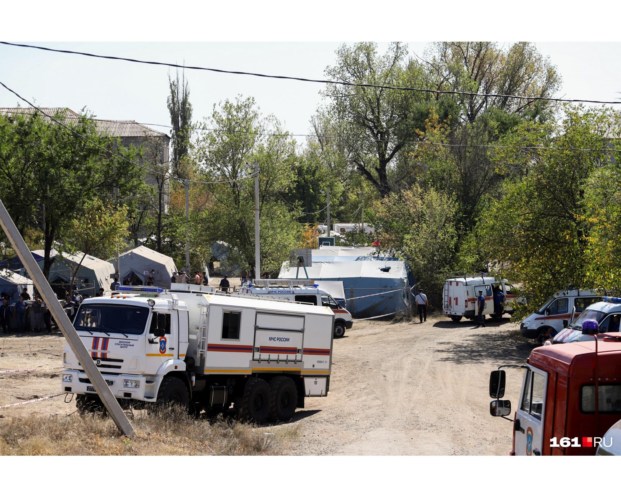 Жители стихийного лагеря жалуются на отсутствие денег