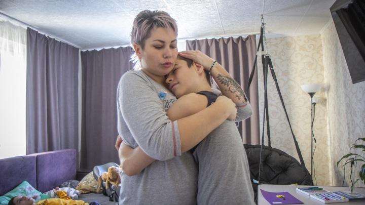 Мама ангелов: как мать в одиночку растит троих сыновей с диагнозом ДЦП