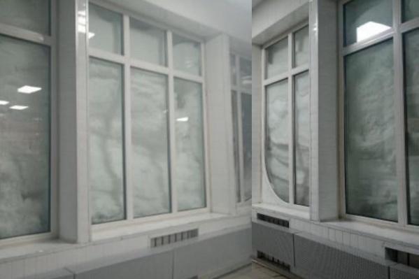 Просто окна в аэропорту Норильска — да, они завалены снегом доверху