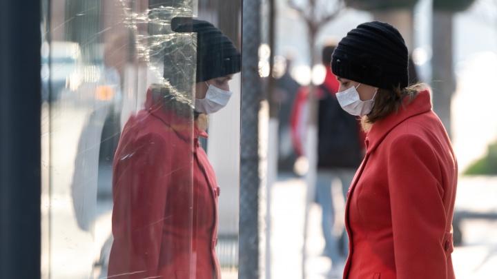 Ростовчан обязали носить маски или респираторы в общественных местах