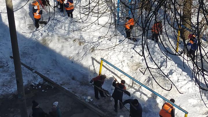 Перед приездом комиссии в аварийный дом в Уфе экстренно провели генуборку