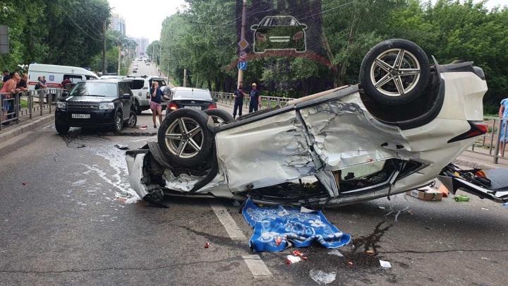 Три аварии с «перевёртышами» произошло в Красноярске за один день