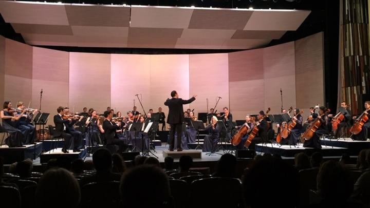 «Будем работать до первого заболевшего сотрудника»: как cимфонический оркестр сыграл впервые после пандемии