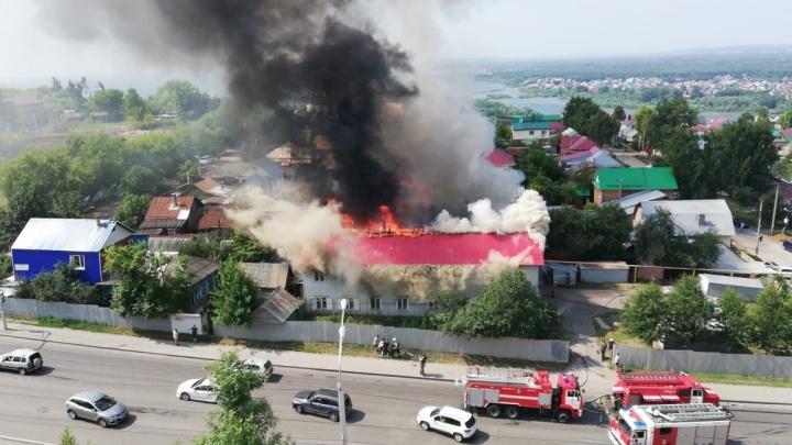 «В сорочках с детьми выбегали»: очевидцы рассказали подробности пожара на Софьи Перовской в Уфе
