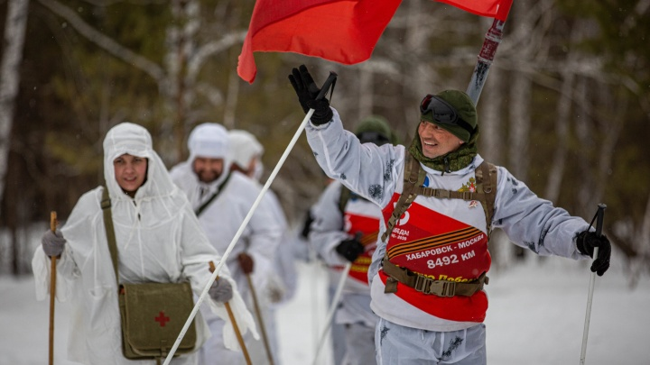 До Новосибирска добрались участники стодневного лыжного перехода: 10 очень патриотичных фото
