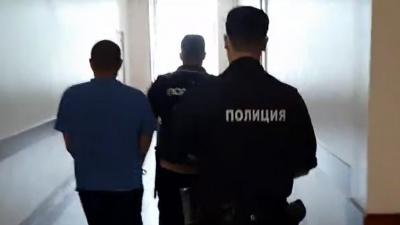 Видео дня. Подозреваемого в убийстве девушки, найденной в озере на Автозаводе, заключили под стражу