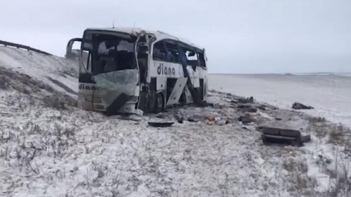 От удара вырвало сиденья: появилось видео с места ДТП с волгоградским автобусом