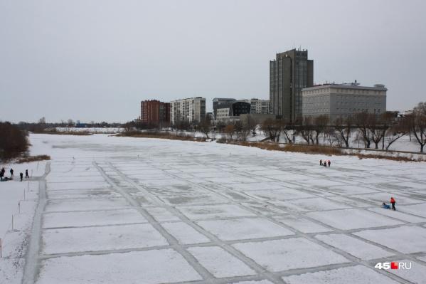 Толщина льда на Тоболе сейчас около 30 сантиметров
