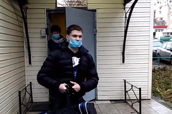 Осужденного за «куклу Путина» пермского активиста выпустили из СИЗО: видео