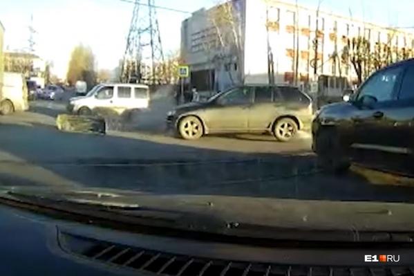 Часто ДТП происходят из-за того, что водители не соблюдают самые элементарные правила дорожного движения