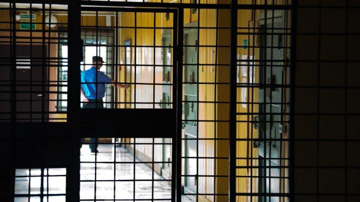 В Новосибирской области суд приговорил сибиряка к двум месяцам колонии за кражу кабеля у ФСБ