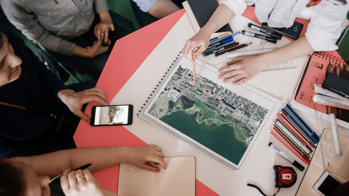 Челябинцам предлагают обсудить с архитекторами благоустройство набережной Смолино