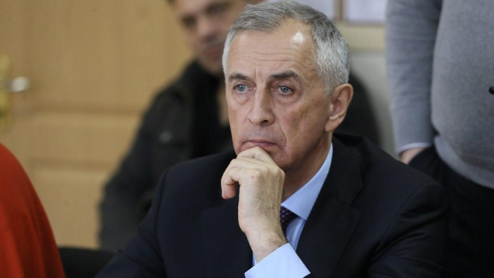 Челябинского министра госпитализировали с подозрением на пневмонию. У него взяли тесты на COVID-19