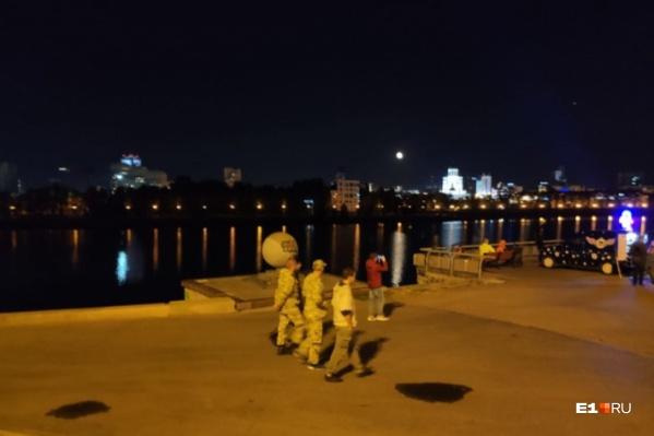 Журналист E1.RU комментирует действия «казаков» в центре Екатеринбурга