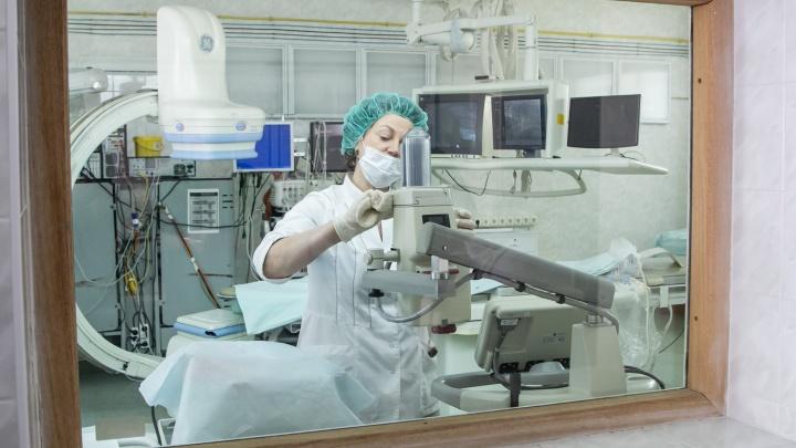 В Архангельской областной больнице закрыли на карантин три отделения