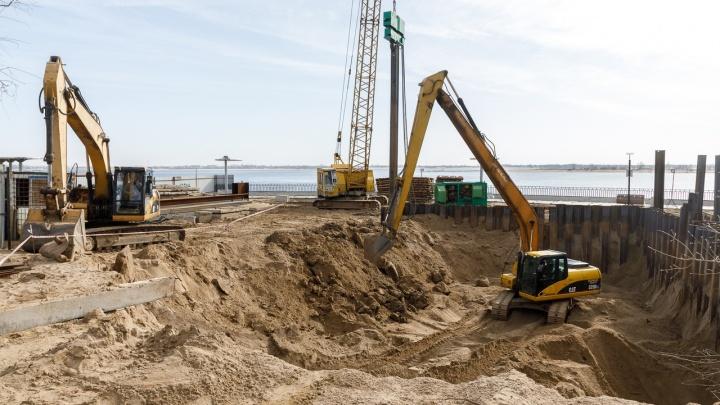 «В Волгу будет уходить чистая вода»: на набережной Волгограда начали строить очистные для ливневых стоков