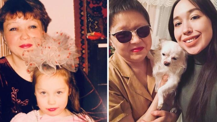 «Не могу представить, как она выглядит»: история абсолютно слепой мамы — она родила и вырастила дочь в полной темноте