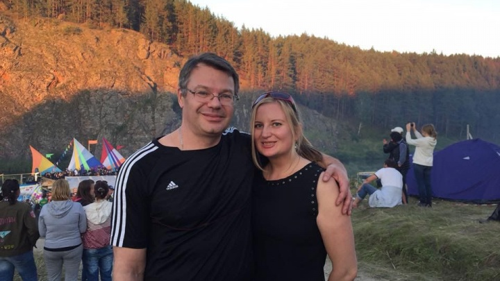 «Я бы могла надавить, чтобы он уволился, но не стала»: жена хирурга Юрия Мансурова — о смерти мужа