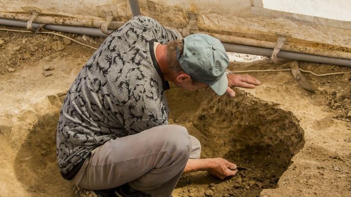 В Азове археологи нашли останки античного воина