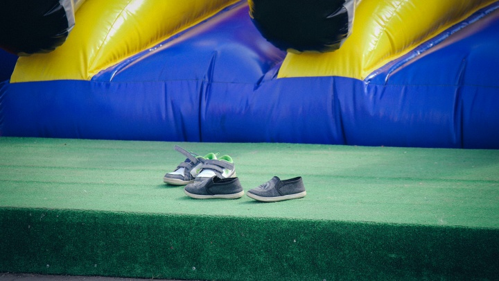В Кургане четырёхлетний ребёнок упал с батута и сломал ключицу