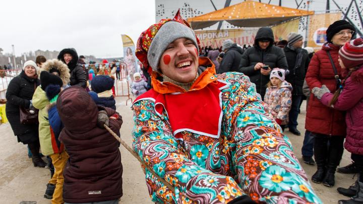 Куда сходить и где бесплатно поесть блинов: рассказываем о Масленице в Волгограде