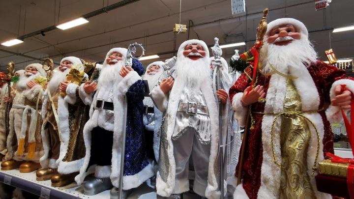 Елки, игрушки, гирлянды: «Мир ремонта» пополнился новогодним ассортиментом