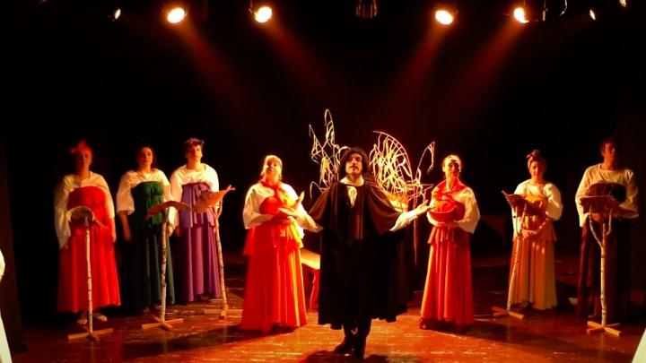 «Слетело столичное враз»: московские журналисты сняли фильм про уникальный мотыгинский театр