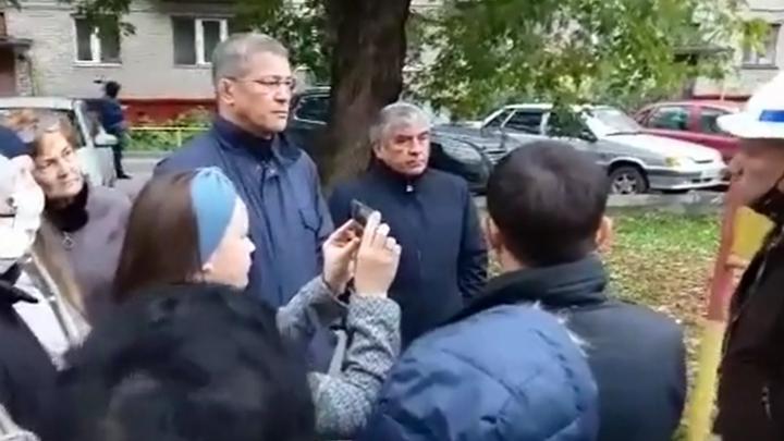 Радий Хабиров побывал в скандально известном дворе на Шота Руставели в Уфе