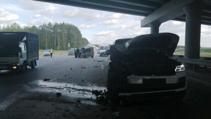 На дублере Сибирского тракта произошла авария, в которой пострадала 3-летняя девочка